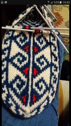 Knitting Socks, Knitting Needles, Hand Knitting, Yarn Projects, Eminem, Knit Patterns, Lana, Beauty Makeup, Knitwear