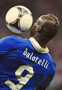 Balotelli Football Pictures ef07b49d1