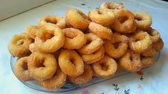 4 recetas de repostería muy fáciles Bakery Recipes, Donut Recipes, Sweets Recipes, Mexican Food Recipes, Bean Cakes, Time To Eat, Latin Food, Baked Apples, Recipe For Mom