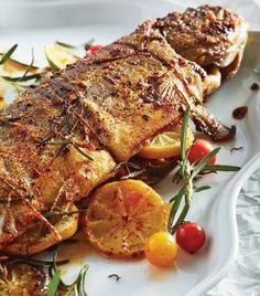 Prepara una exquisita trucha para sorprender a tus comensales. Mexican Seafood, Fish And Seafood, Fish Recipes, Seafood Recipes, Pescado Recipe, Dominican Republic Food, Good Food, Yummy Food, Tilapia