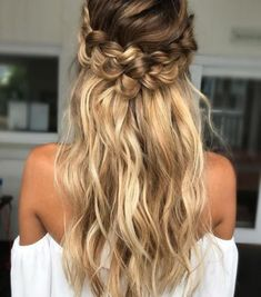 Expert Hair Care Tips For Any Age. Your hair might be your worst enemy, but it does not have to be! You can reclaim your hair with a little research and effort. First, identify your hair typ Loose Curls Hairstyles, Braided Hairstyles For Wedding, Pretty Hairstyles, Hairstyle Ideas, Prom Hairstyles, Summer Hairstyles, Amazing Hairstyles, Hairstyle Wedding, Wedding Braids