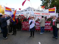 6 de diciembre de 2011: Los Veteranos del 15M también están a favor de la Memoria Histórica.