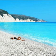 Visit the incredible beach of #fteri, on #kefalonia island!   By @ritagaiti. Congratulations