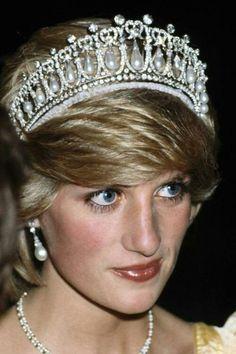 HRH Diana, Princess of Wales wearing the Cambridge Lover's knot tiara.