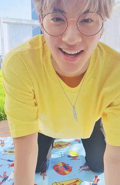 Bts Funny Videos, Funny Kpop Memes, Disney Princess Jasmine, Korean K Pop, Prince Eric, K Pop Music, My Boo, Asian Men, Boyfriend Material
