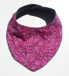 Works like a bib but looks like a fashion scarf by SMASWEDEN on Etsy