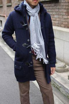 Bark Duffle Coat, looks like a sweater but isn't Fashion Moda, Look Fashion, Mens Fashion, Winter Fashion, Sharp Dressed Man, Well Dressed Men, Gilet Crochet, Mens Attire, Duffle Coat