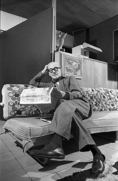 Paris: Le Corbusier by Willy Rizzo - The Eye of Photography Magazine Le Corbusier, Modern Architects, Famous Architects, Amazing Buildings, Modern Buildings, International Style Architecture, Maurice Utrillo, North And South America, Portraits