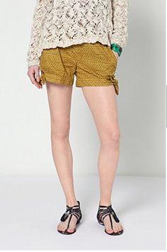 http://www.anthropologie.eu/bowtied-batik-shorts/invt/7125600091199/