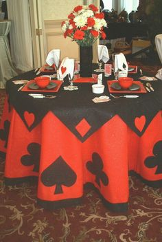 Casino or card party tablecloth casino night, fète casino, casino table, casino royale Casino Royale, Fète Casino, Casino Table, Casino Rentals, Casino Room, Vegas Theme, Vegas Party, Casino Night Party, 80s Party
