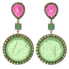 Pink and green earrings. Jóias verde e rosa. Emerald Green Earrings, Emerald Jewelry, Everything Pink, Jewel Box, Green Fashion, Diamond Are A Girls Best Friend, Pink Sapphire, Pink And Green, Green Gem