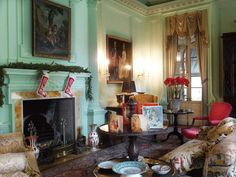 I was looking for holiday images when I came across photos of Christmas at Swan House. Some show the gorgeous decorations that Dan Carithers created that were featured in an old issue of Southern Accents and some are new. They are all spectacular and make me want to book a trip to Atlanta asap. Since […]