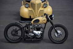 Foundry MCs '56 Triumph Bobber. Nice colors! Matching car and bike