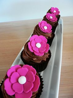 flower cupcakes - Could make the petals heart shaped?