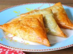 Ramadan Recipes 394557617349201119 - ciboulette, oeuf, brick, jambon, Fromages Source by Meal Prep Plans, Snack Recipes, Cooking Recipes, European Cuisine, Ramadan Recipes, Spinach And Cheese, Batch Cooking, Finger Foods, Love Food