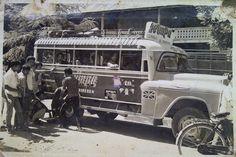 Moda transportasi rute Lhokseumawe - Bireuen...  Perkiraan tahun 60an,sumber foto milik Arief Yopi Rovian. Dutch East Indies, Medan, Big Love, Good Ol, Public Transport, Old Pictures, Chevrolet, Transportation, Old Things