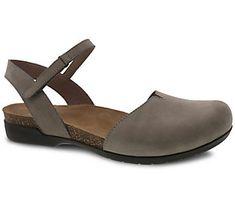 Summer Denim, Casual Summer, Athleisure Shoes, Chef Shoes, Closed Toe Sandals, Stylish Sandals, Nursing Shoes, Dansko Shoes, Shoe Brands