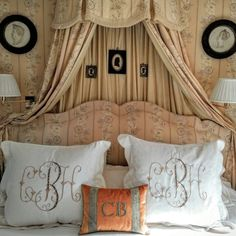 Decorating with antique sheets & silhouettes Bed Crown, French Country Bedrooms, Country Style Homes, Beautiful Bedrooms, Bed Design, Country Decor, Interior Design Living Room, Diy Home Decor, Bedroom Decor