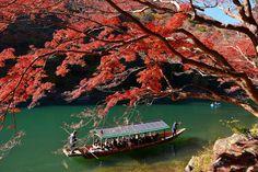 嵐山・桂川 ~京都の紅葉 Arashiyama Katsuragawa River Autumn leaves/Fall foliage in…