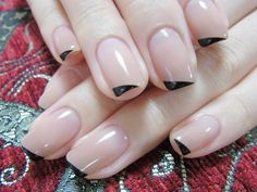 A barely-there diagonal French #mani - very cool!