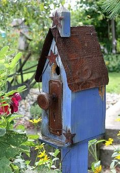 Lovely blue bird-box - I fancy the handle too!