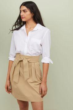 Skirt with Tie Belt - Light beige - Ladies Beige Skirt Outfit, Denim Outfit, Skirt Outfits, Jupe Crayon Denim, Denim Pencil Skirt, Older Women Fashion, Latest Fashion For Women, Skirt Fashion, Fashion Outfits