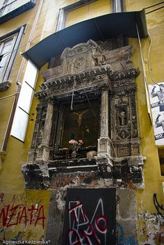 Art, Design. #Shrines, #Altars and #Nichos-shrines in Napoli