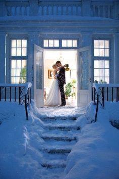 Особенности зимней свадебной фотосессии в городе - WeddyWood