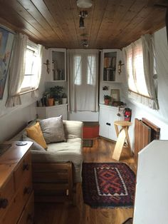 16 Caravan Interior Design Ideas www.futuristarchi… Related posts:Details of Victorian Architecture. You never really get to see floor plans of t design grian, design vacancies, interior design ideas for . House Boat, Canal Boat Interior, House, Tiny House Living, Boat House Interior, Floating House, Narrowboat, Urban Interiors, Interior Design