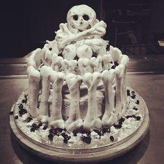 Bones cake