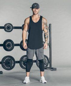 Look de treino estiloso para homens.