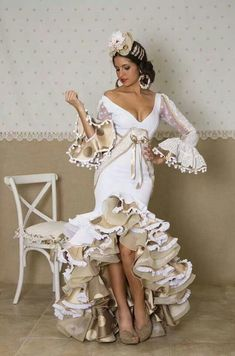Spanish style – Mediterranean Home Decor Flamenco Costume, Flamenco Dancers, Dance Costumes, Dance Dresses, Prom Dresses, Wedding Dresses, Flamenco Dresses, Costume Ethnique, Spanish Dress
