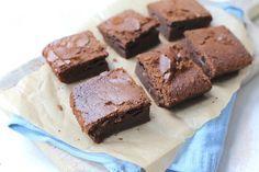 Ja echt, met maar 3 ingrediënten maak JIJ deze overheerlijke brownie met nutella. De brownie staat binnen 15 minuten in de oven. Eet smakelijk!