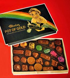 Moirs pot of gold chocolates Pot Of Gold Chocolate, Retro Chocolate Bars, Retro Candy, Vintage Candy, Vintage Toys, School Memories, My Childhood Memories, Best Memories, Johny Depp