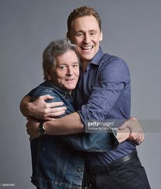 Tom Hiddleston Rodney Crowell photographed by John Shearer at the 'I Saw The Light' press day on October 2015 in Nashville, Tennessee Via Torrilla Thomas William Hiddleston, Tom Hiddleston Loki, Hiddleston Daily, Muy Simple, James Norton, Daddy Long, Beautiful Blue Eyes, I Saw The Light, Great Smiles