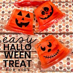 Easy Halloween Treats for Kids - jello jack o lantern Halloween Treats For Kids, Halloween Activities, Halloween Crafts, Halloween Ideas, Halloween Party, Santa Letter Template, Thanksgiving Coloring Pages, Edible Crafts, Pumpkin Crafts