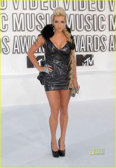 Ke$ha - MTV VMAs 2010 Red Carpet