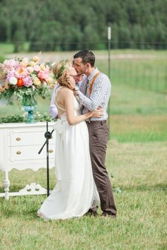 Colorful_Bohemain_Barn_Colorado_Wedding_by_Connie_Whitlock_130