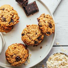 Gluten-Free Oatmeal Chocolate Chip Cookies | Minimalist Baker Recipes