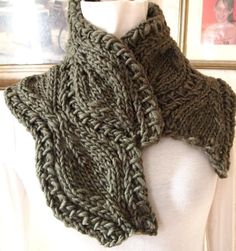 Leaf Lace Cowl Pattern - pattern for purchase on Craftsy - uses bulky yarn