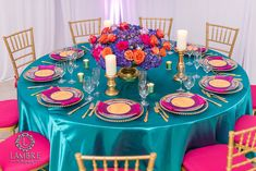 Arabian Nights Table Setting Ideas - Credit: Lambre Photography Thinking of having a lavish and mysterious quinceañera? The sky is the - Festa Tema Arabian Nights, Arabian Nights Theme Party, Arabian Nights Wedding, Arabian Party, Arabian Theme, Aladdin Birthday Party, Aladdin Party, Aladin Disney, Moroccan Theme Party