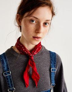 Pull&Bear - для женщин - аксессуары - шарфы и платки - классическая бандана - красный - 09840305-V2018