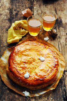 Mais pourquoi est-ce que je vous raconte ça... Dorian cuisine.com: J'aime la galette avec du bon beurre dedans… j'aime la galette avec… cette année ma galette des rois sera à la poire et au caramel !