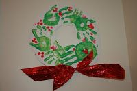 When I was looking around for examples of Handprint Christmas Trees yesterday, I also found some really great ideas for making handprint w. Christmas Handprint Crafts, Christmas Crafts For Toddlers, Toddler Christmas, Christmas Activities, A Christmas Story, Toddler Crafts, Christmas Art, Preschool Crafts, Holiday Crafts