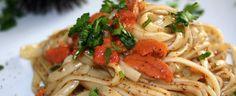spaghetti chi' rizzi (spaghetti ai ricci di mare)