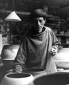 Historical Potters- Hans Coper was born in Germany and made abstract yet functional pottery. He was born in Chemnitz, Germany on April Modern Ceramics, Contemporary Ceramics, Today In History, Portraits, Pottery Making, Sculpture Clay, Easy Paintings, Ceramic Artists, Art Studios