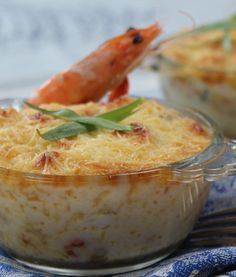 gratin of seafood with béchamel Fish Recipes, Seafood Recipes, My Recipes, Crockpot Recipes, Cooking Recipes, Super Dieta, Easy Vegetarian Lunch, Dinner Recipes For Kids, Fish And Seafood