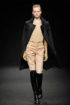 Vandevorst Fall 2010 Ready-to-Wear Collection Photos - Vogue Equestrian Chic, Equestrian Fashion, Casual Chic Style, Fashion Show, Fashion Trends, Ready To Wear, Vintage Outfits, Stylish, My Style