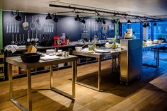 CHEFS ACADEMY - Examples for F&B Concepts - livecookintable® - modular Live Cooking Station