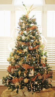 Our #gold #Christmastree !  Charming in Charlotte: DIY Tree Trimming(s)!!